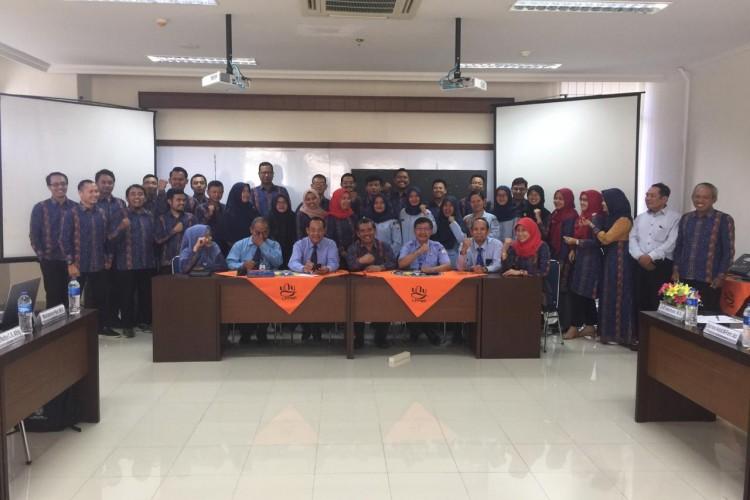 DOSEN POLTEKKES TNI AU ADISUTJIPTO MENGIKUTI BIMTEK PEKERTI DI UNY